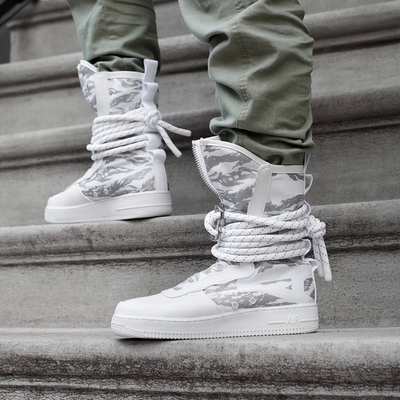 Nike SF Air Force 1 High 'Winter Camo'